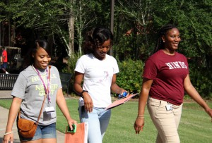 Angelica Lewis, Ashunti Powell and Orientation Leader Andrea Sayles