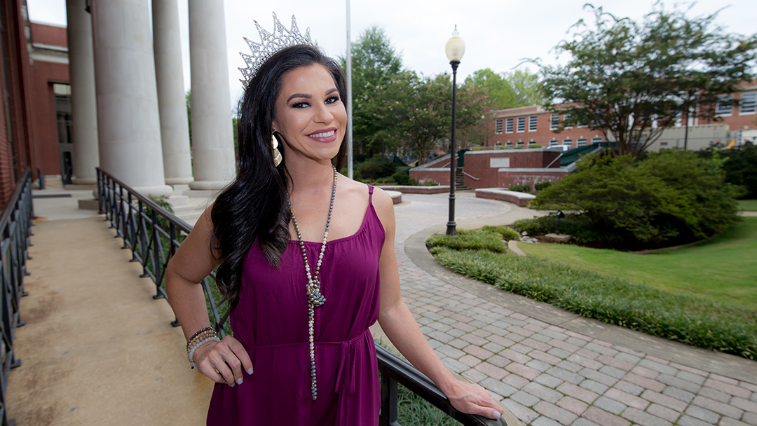 Hinds CC helps Farr dance her way to Mrs. Mississippi title