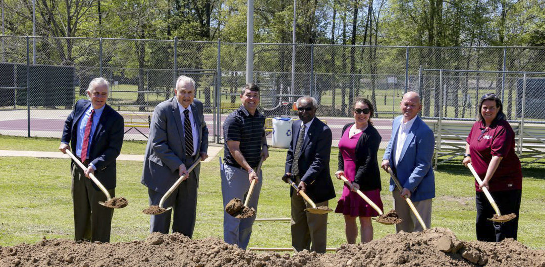 Hinds CC names tennis courts after longtime coach, educator