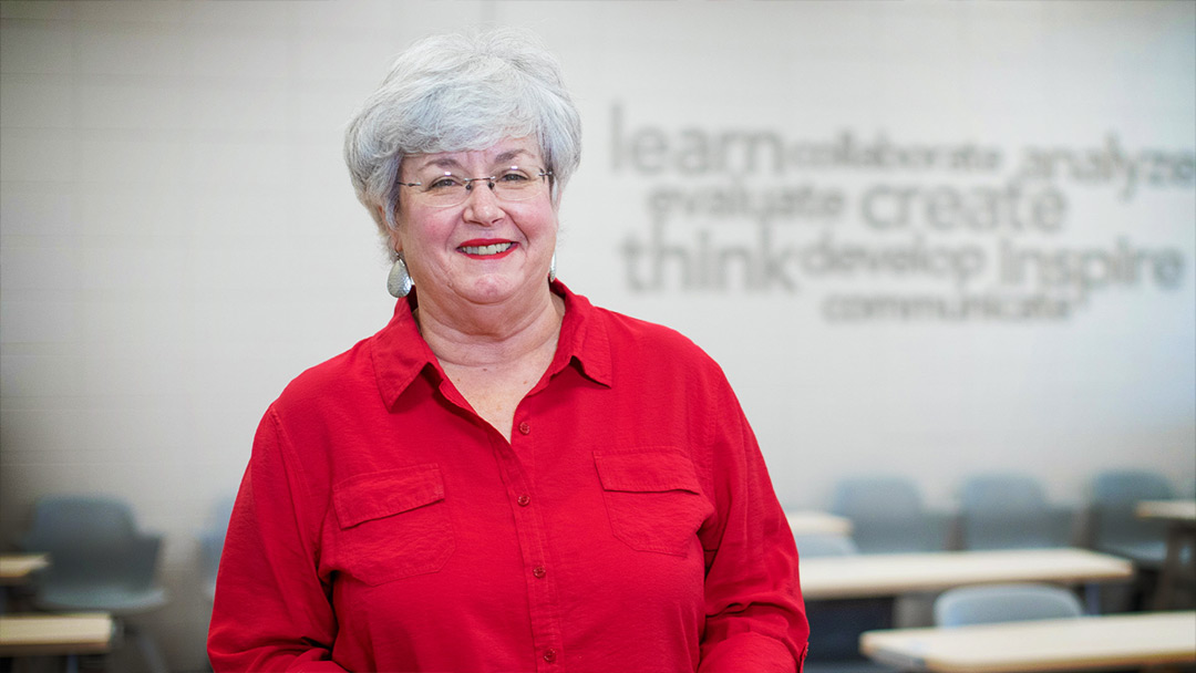 Hinds CC speech instructor uses old-school methods to train students for brave new world