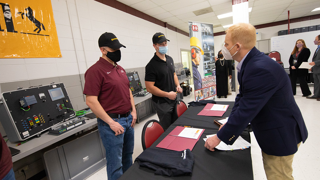 Five students sign on as apprentices with Continental Tires
