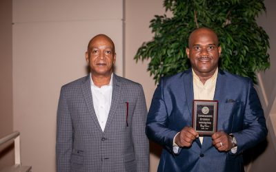 Hinds presents 37 departmental student awards