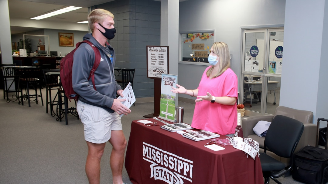 Fall College Transfer Fair offers vital info for students